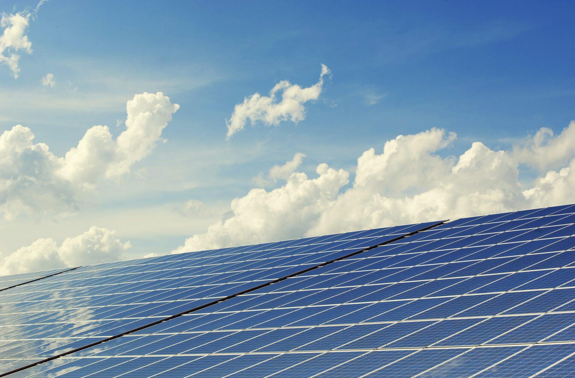 offerte zonnepanelen sunelektro | zonnepanelen | elektriciteitswerken | domotica | verlichting | eco kachels | laadpalen | opslagsystemen | energiemanagement | duurzame technieken | realisaties